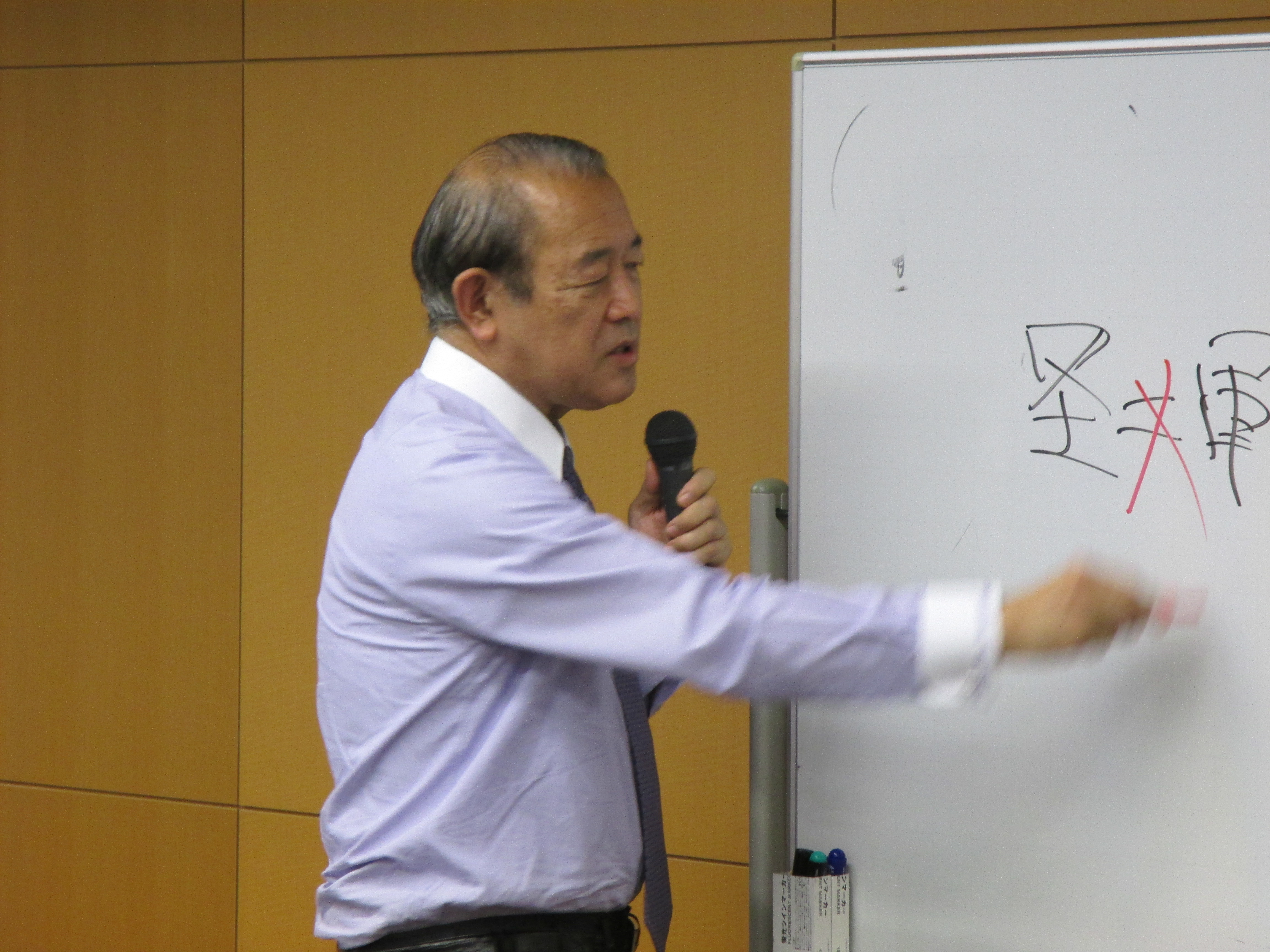 白熱月例セミナー「譲らず、油断せず、挑発せず」藤崎一郎氏